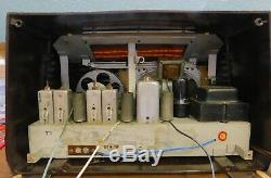 Antique Rare 1948 Truetone AM/FM Model D2819 Tabletop Radio. Nice