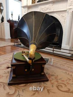 Antique VICTOR Six 6 VI Phonograph Talking Machine NICE Early Rare Horn