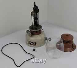 Extremely RARE Vintage Model LRL22 NICE KampLite Lantern withOriginal Globe & Box