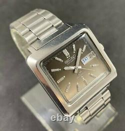 Rare Nice Seiko Lord Matic 5606-5150 Day Date Vintage Automatic Men's Watch 23 J